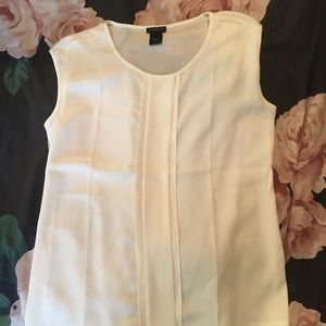 Ann Taylor Off White Pleated sleeveless blouse